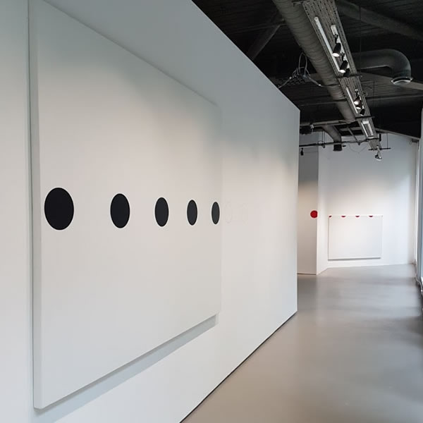 art gallery lighting designers